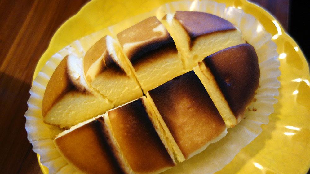 北海道チーズ蒸しケーキをよく焼きにしてみる